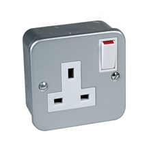 Metal Clad Switched Socket Single 13Amp - DP c/w 2 Earth BS1363 pt2