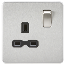 SFR7000BC Screwless 13A 1G DP switched Socket - Brushed Chrome with black insert