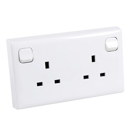 Converter 1 Gang to 2 Gang Switched Socket