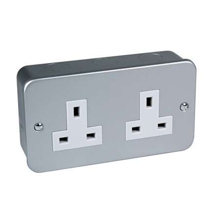 Metal Clad Unswitched Socket Twin 13Amp BS1363 pt2