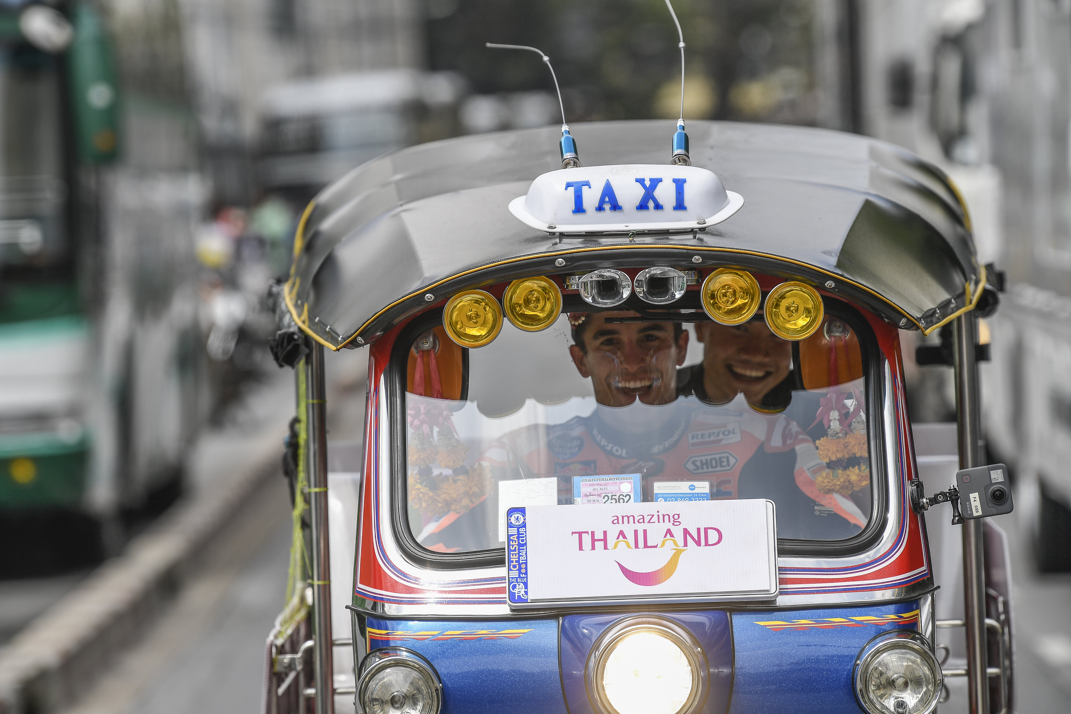Exploring Bangkok by Tuk Tuk. Image: crash.net