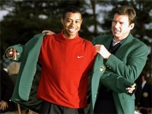 Woods holds record low of 18-under-par
