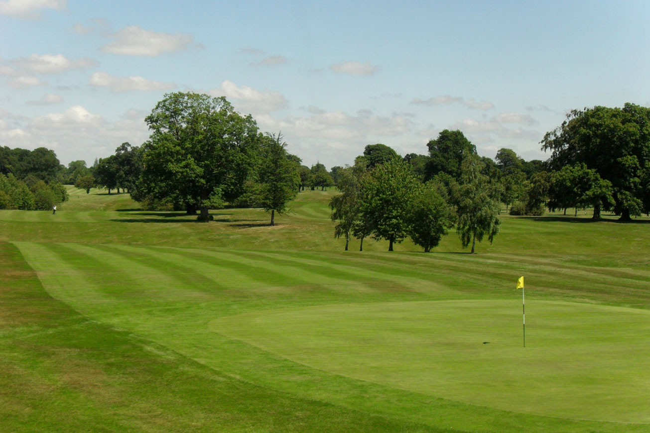 The course is relatively flat and gives you the chance to score well if your game is in order