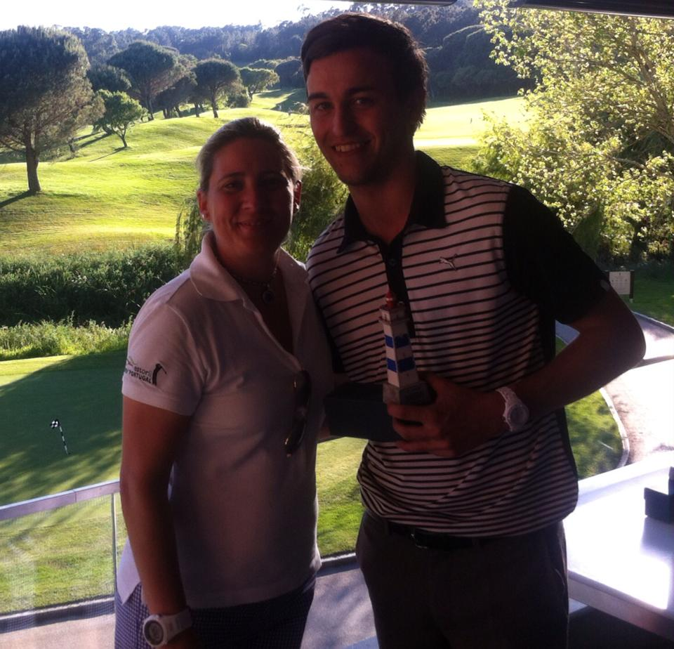 Andy presented with his trophy from Sandra Braz, Estoril Golf Bureau's executive director