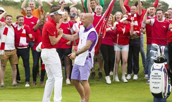 Ian Poulter with his Arsenal fans