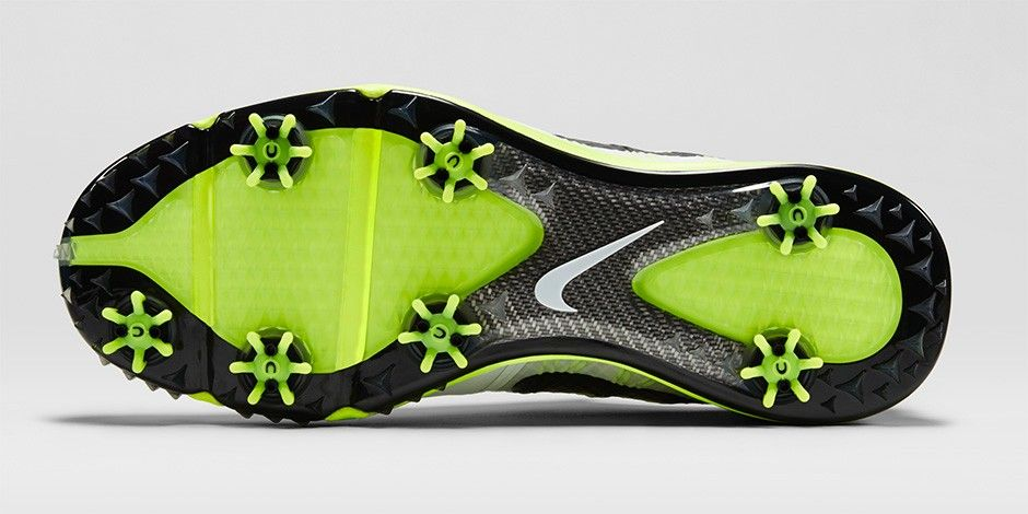 Lunar Control 3 offers superb levels of traction, aided by an extra spike placed under the big toe