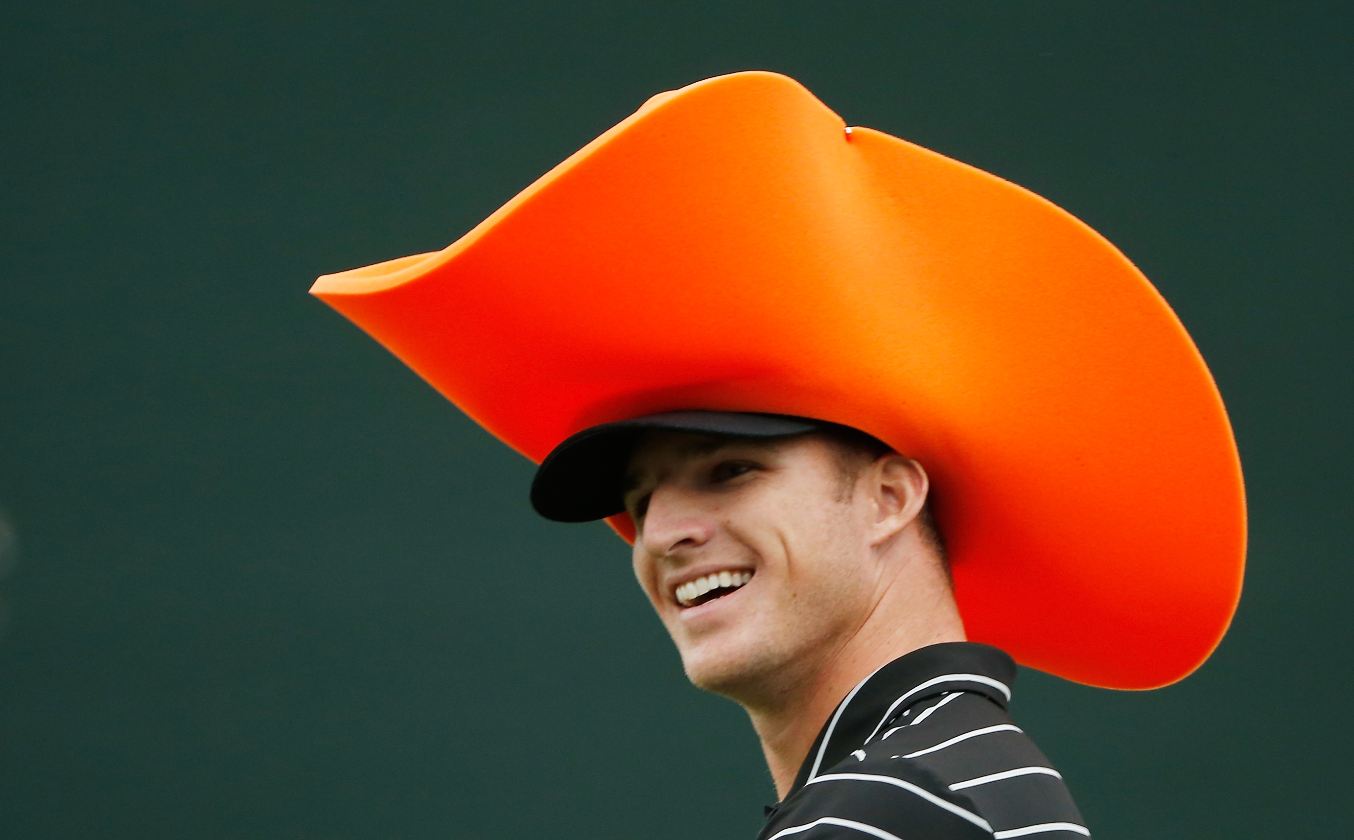 Morgan Hoffman wears a novelty hat at the Waste Management Phoenix Open (Photo: Getty Images)