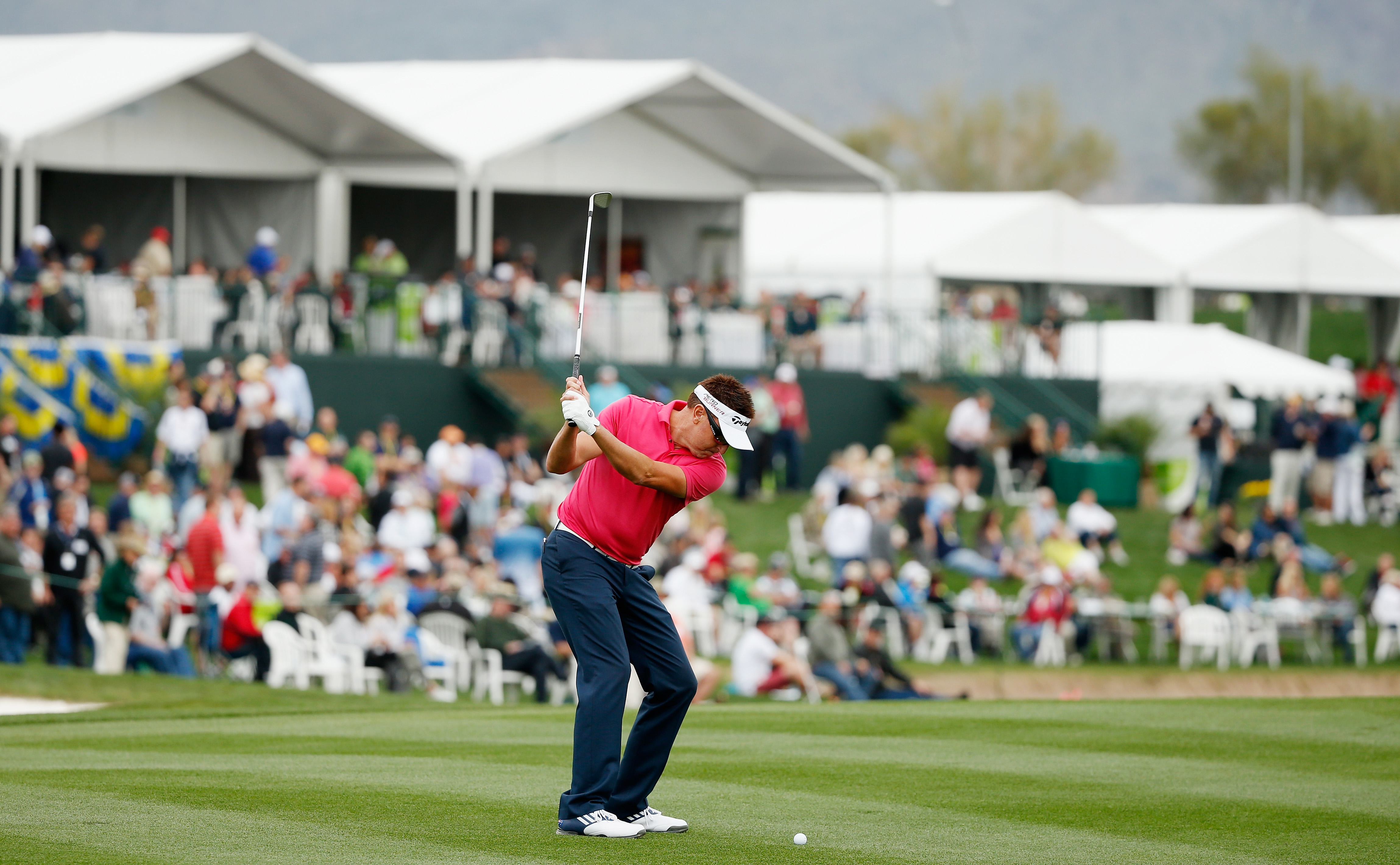 Robert Allenby plays the 17th during his first round at the Waste Management Phoenix Open (Photo: Getty Images)