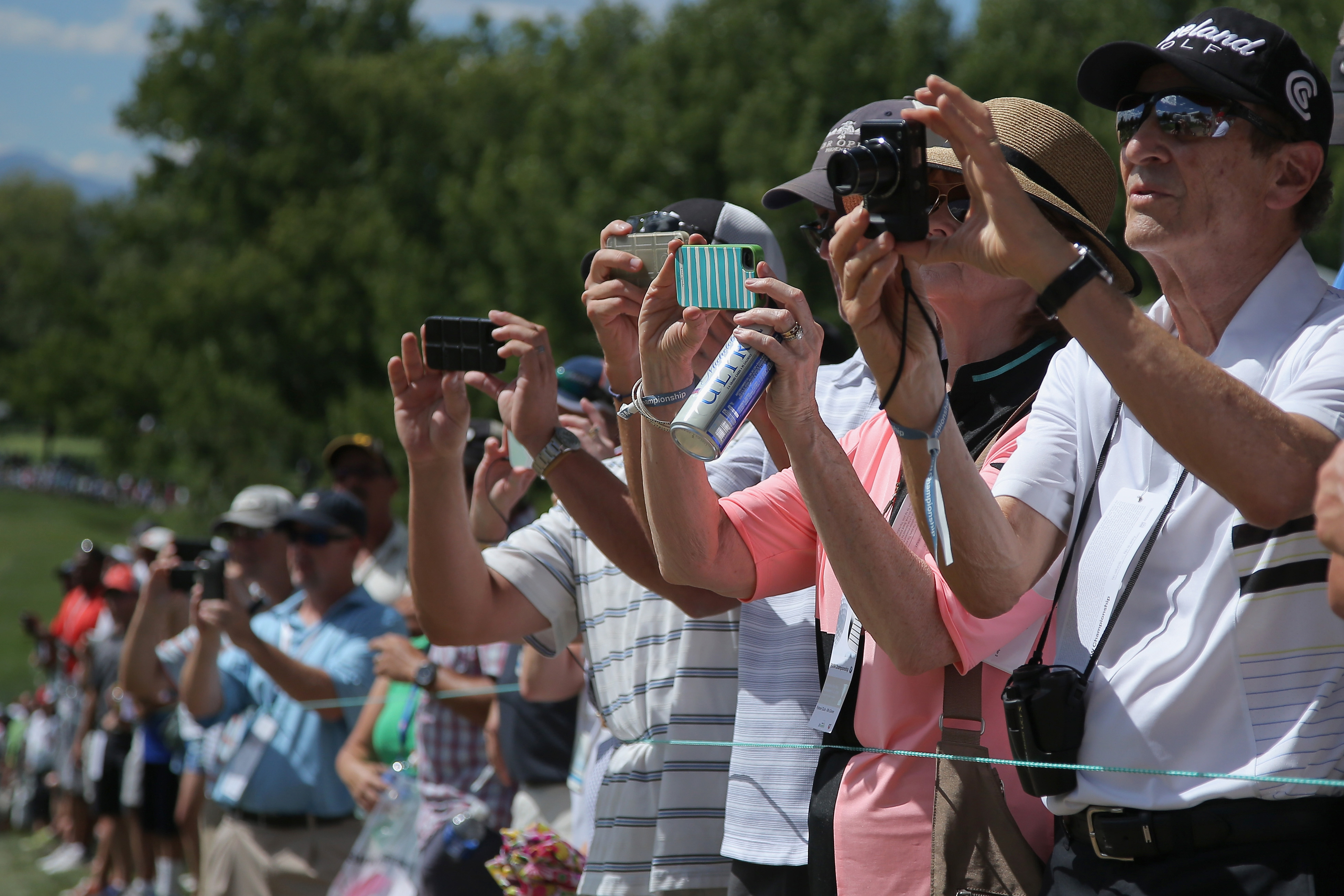 """Mobile phones can be used in """"phone zones"""" at the 2015 US Open"""