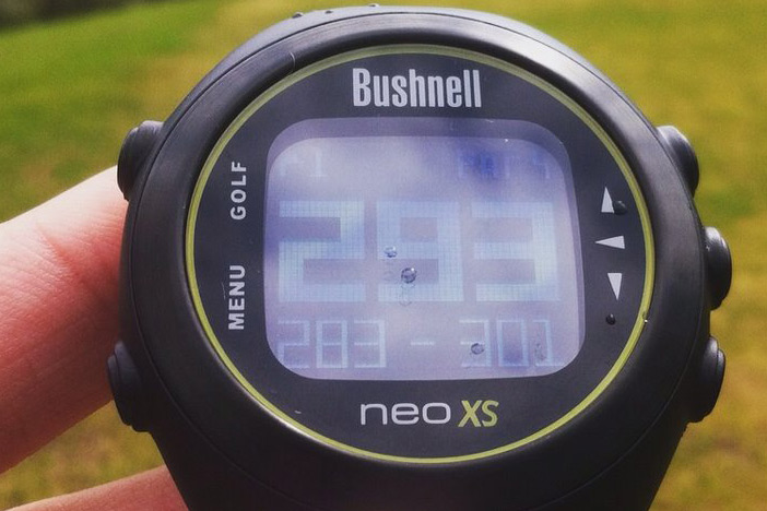 The Neo XS performed well when the heavens opened, and provided clear yardages at a glance