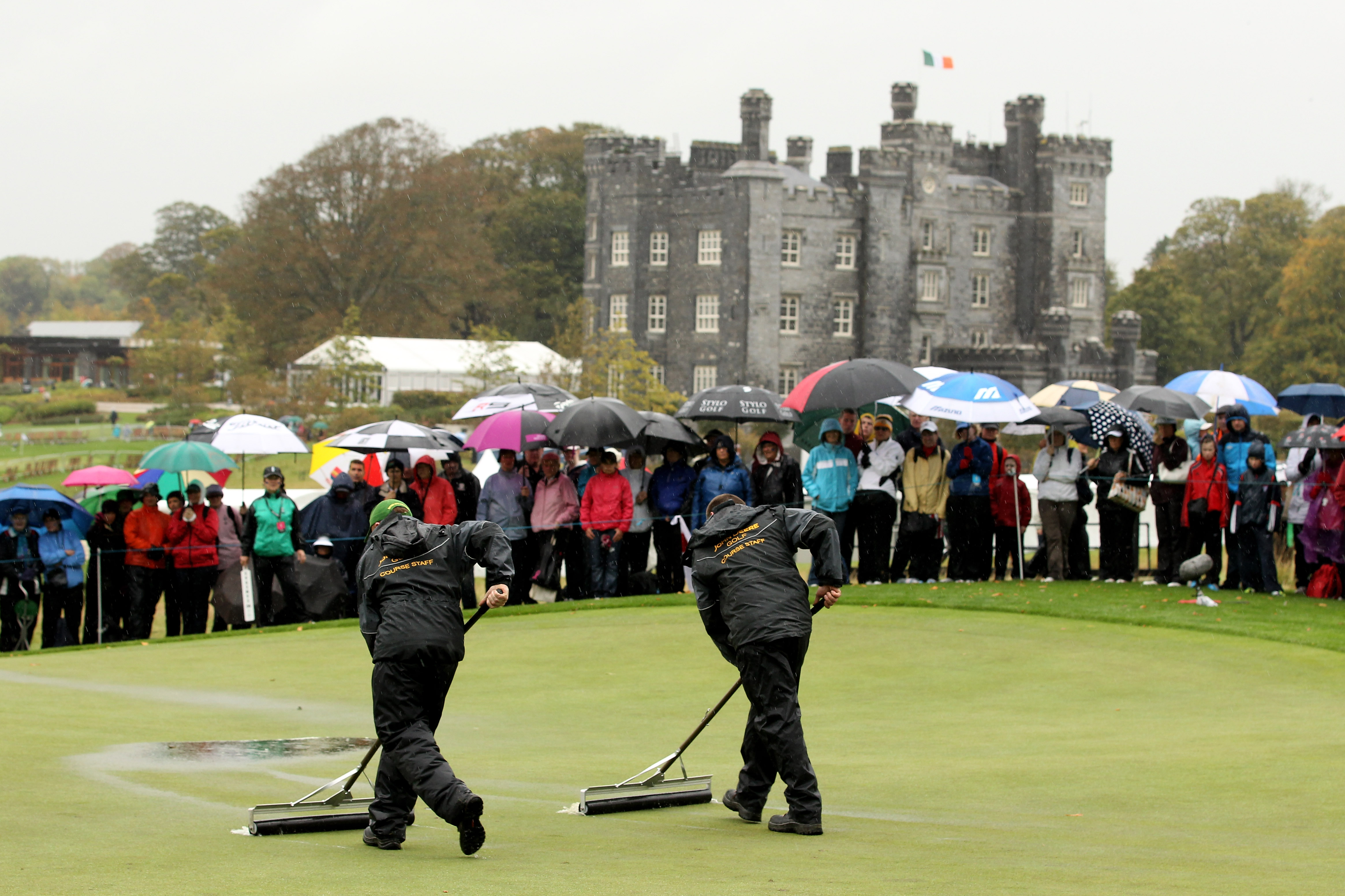The match was level at 12.5-12.5 before rain stopped play (Photo: Getty Images)