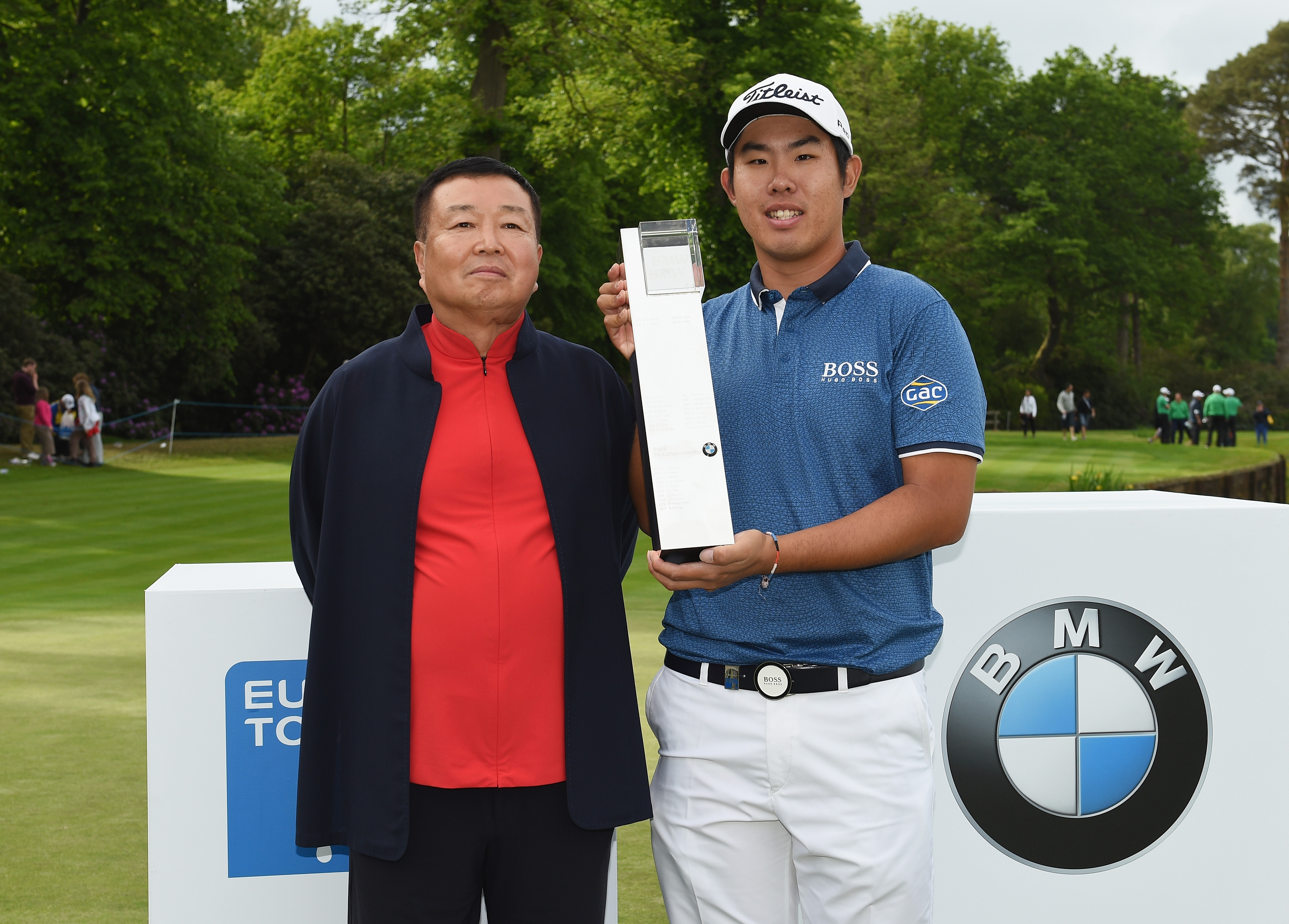 Wentworth owner Dr Chanchai Ruayrungruang (left) and 2015 BMW PGA winner Byeong-Hun An (Photo: Getty Images)