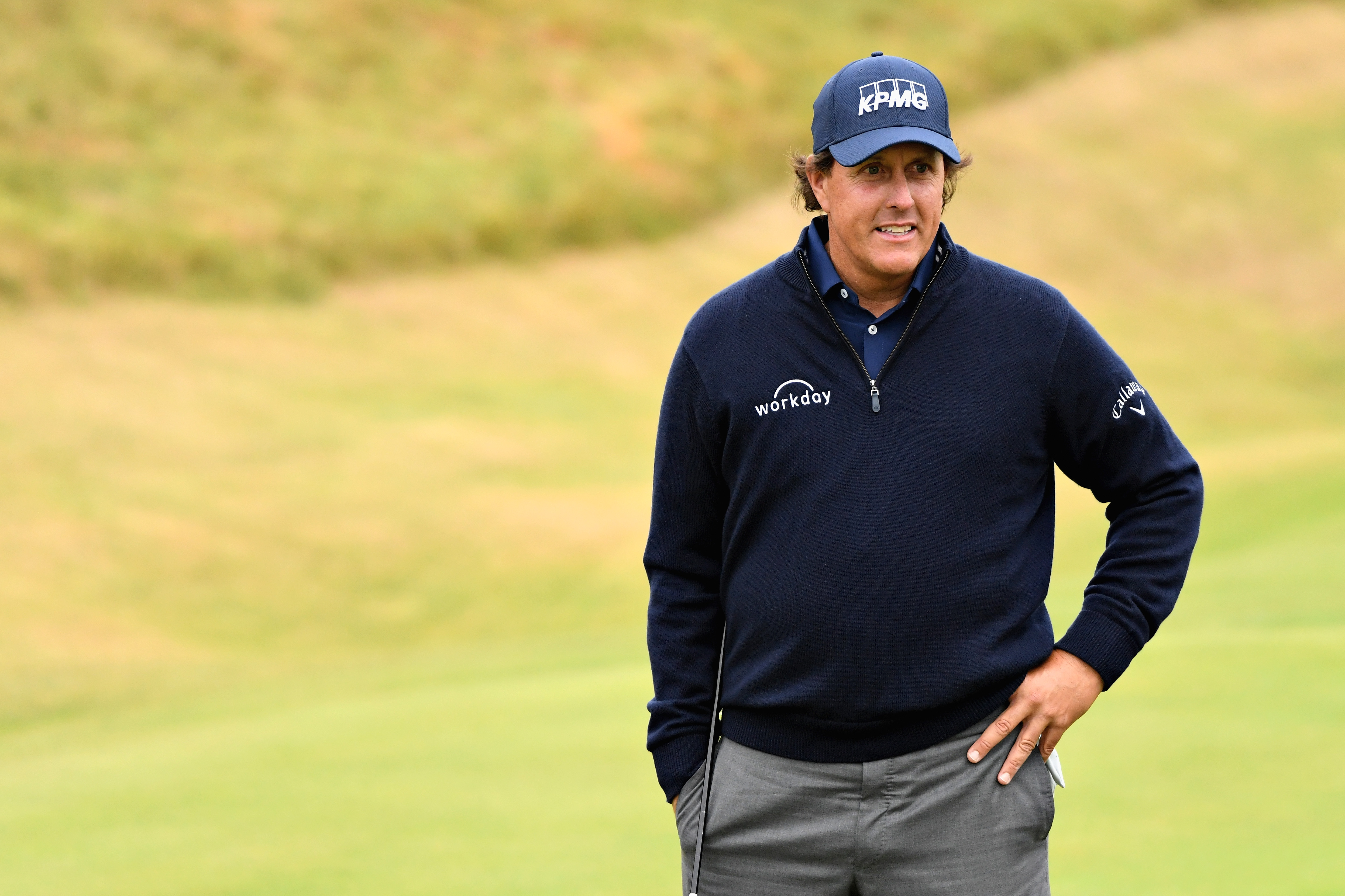 Mickelson takes aim at commentator Chamblee