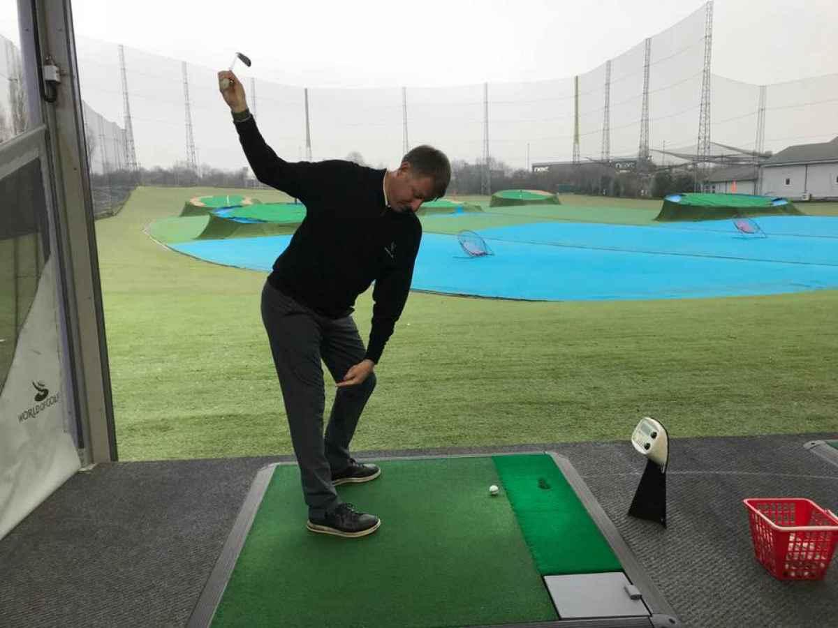 Best golf tips: Understanding knee flex in the golf swing