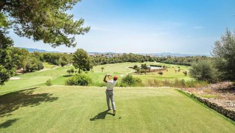Golf Son Muntaner celebrates 18th birthday with special winter package