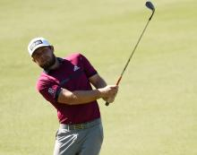 Tyrrell Hatton holds 5-shot lead in Abu Dhabi as Rory McIlroy struggles