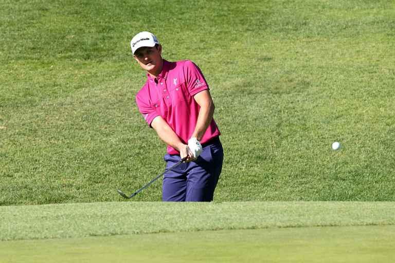 5 steps to nail the bump and run golf shot!