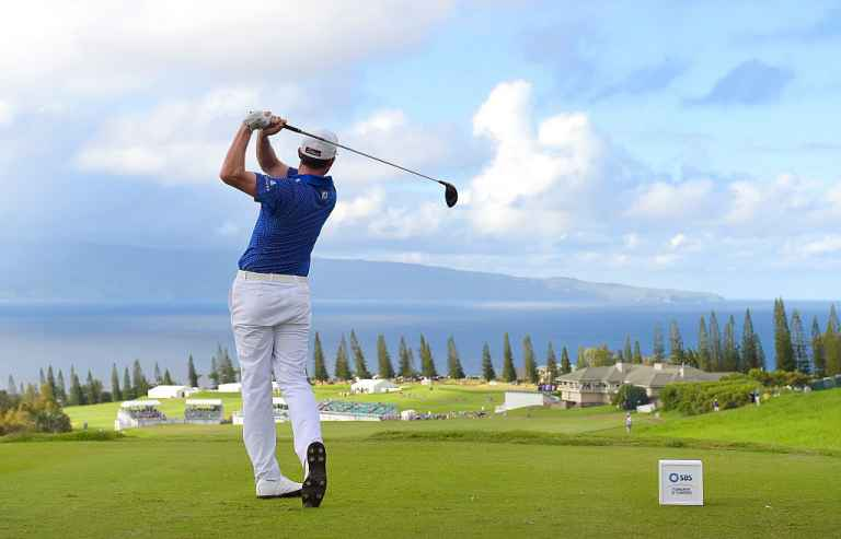 Walker hits front in Hawaii with new 42-inch driver