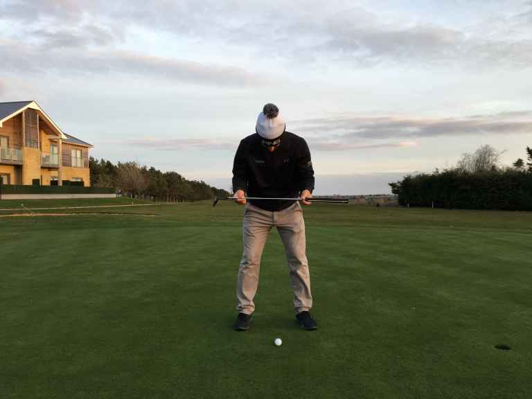 Best golf tips to help you aim the putter correctly