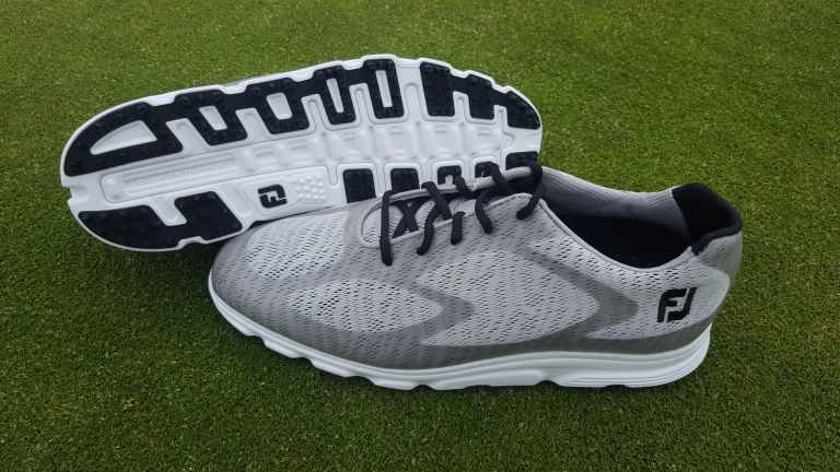 FootJoy Superlites XP spikeless golf shoe review