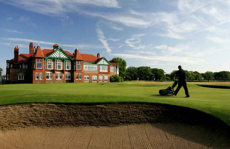 10 worst things a golfer can do to annoy a greenkeeper