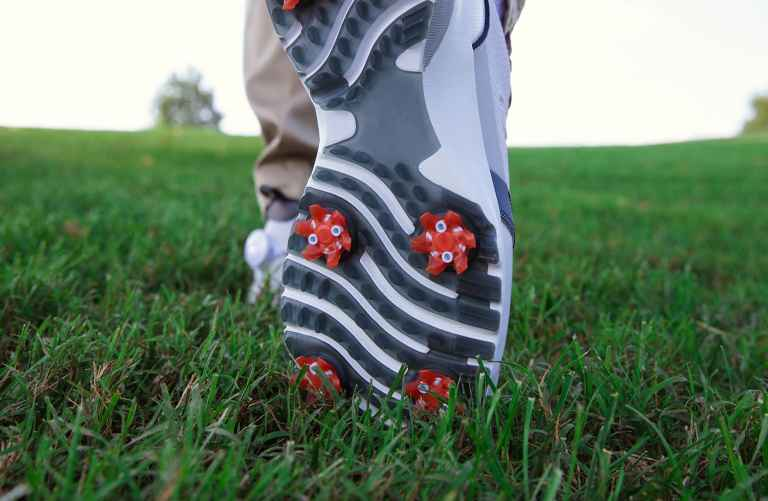 Study claims that replaceable cleats improves driving distance
