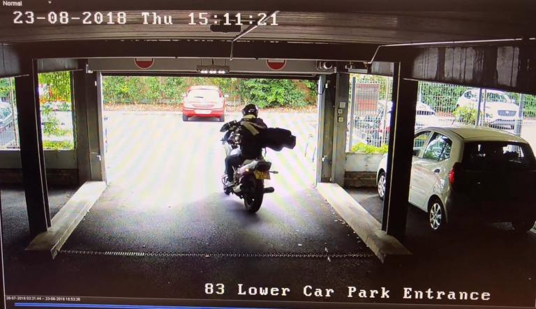 WATCH: Smash and grab motorcyclist steals golf clubs!