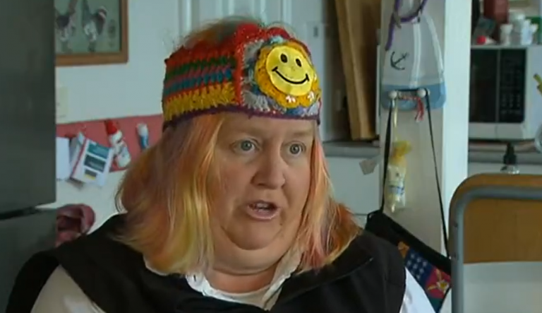 Lady golfer BOOTED out of her golf club for the colour of her hair!