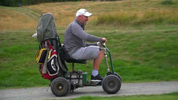 One-legged golfer sues golf course run by council for discrimination