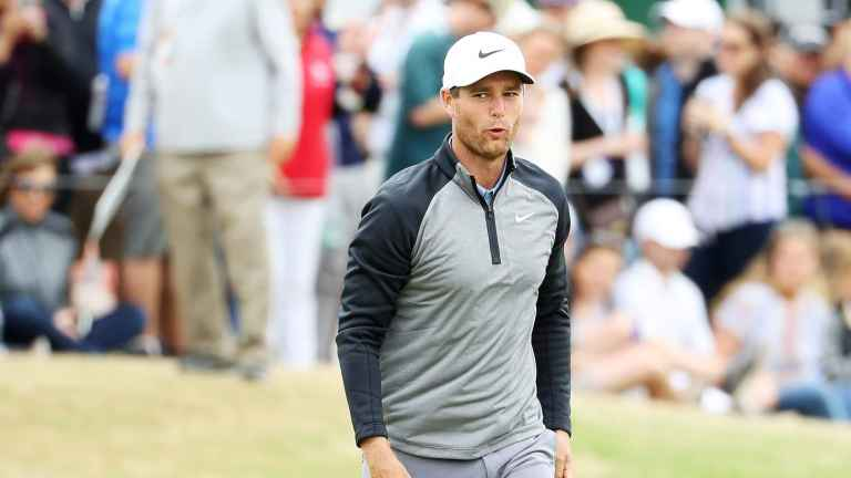 Lucas Bjerregaard is using a COAT HANGER as a training aid at US Open