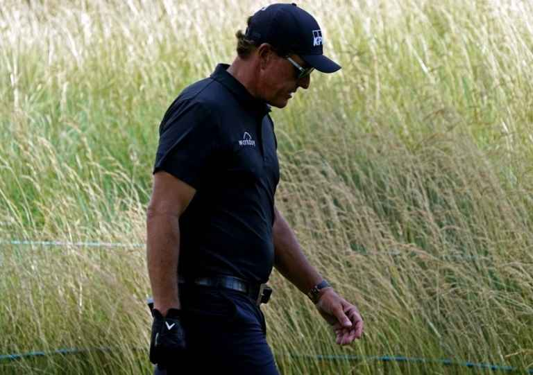 Golf fans RIP Phil Mickelson for wearing jogger-style trousers