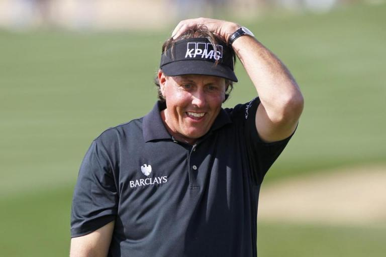 WATCH: When a worm burned Phil Mickelson on the green at The Masters!