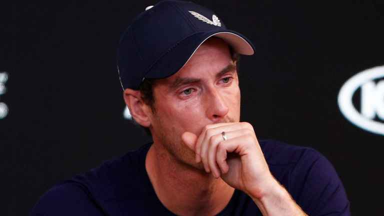 Andy Murray has THREE SHANKS on the first hole of Club Championship