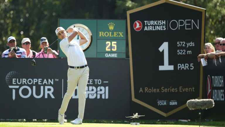 Matthias Schwab leads by one in the Turkish Airlines Open