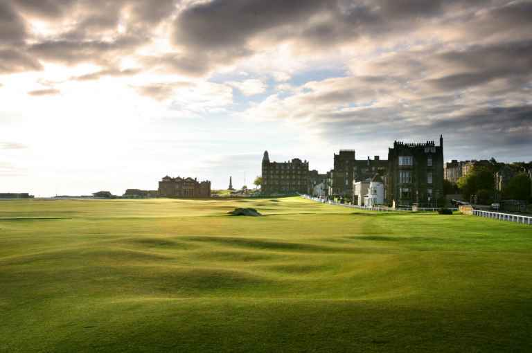 Is this the WORST tee shot ever to be seen at St Andrews?