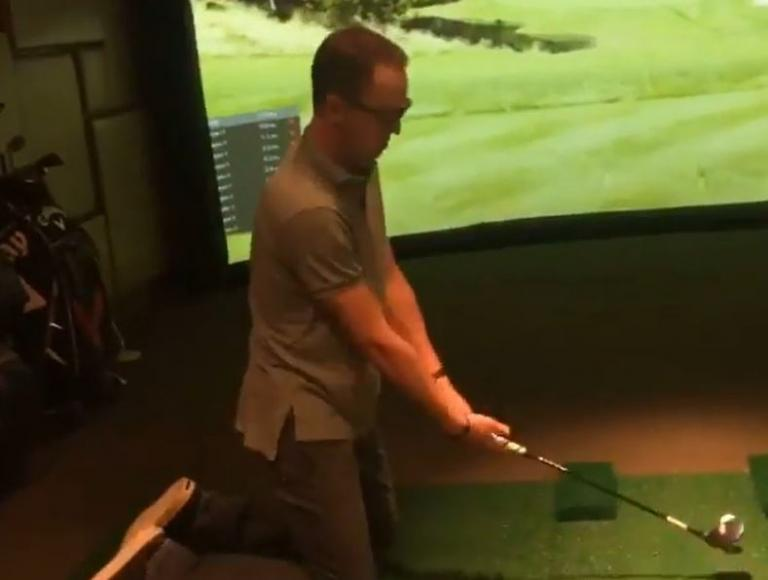 Justin Thomas attempts to use kids golf club in EPIC FAIL!