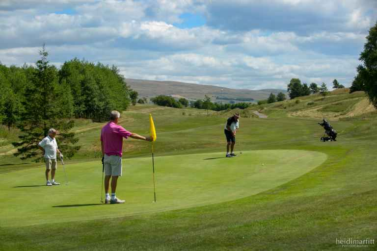 Innovative 9-hole golf competitions introduced at Bentham