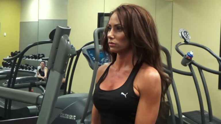 """WATCH: Holly Sonders says """"sexual"""" instead of """"sectional"""" then pokes fun at herself"""