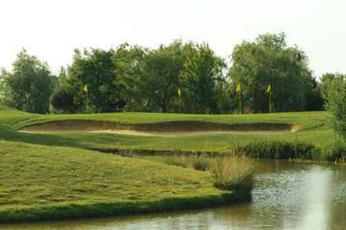 Discover a short game to 'Dye' for at The Shire London