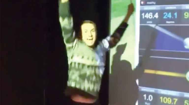 Spieth makes ace on simulator, goes nuts with friends