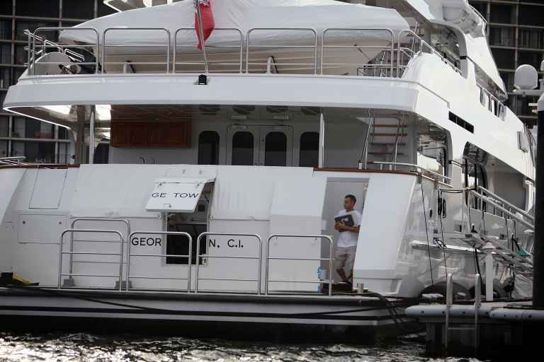 Woods cruises into New York in his m yacht ahead of US Open