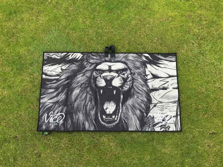Shine Towel Lime - LION portrait