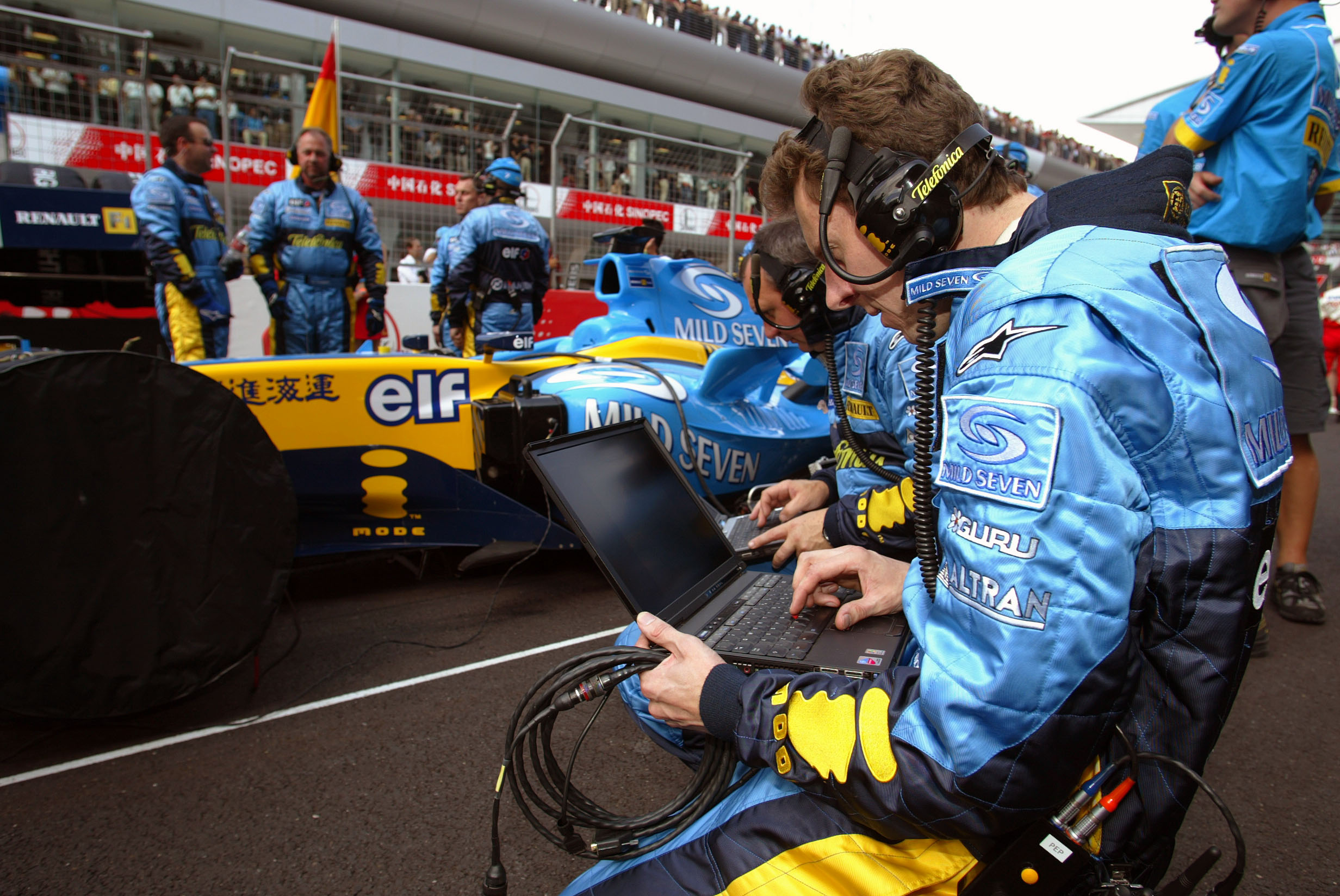 Four figures to determine Renault weekend  | Feature | Crash