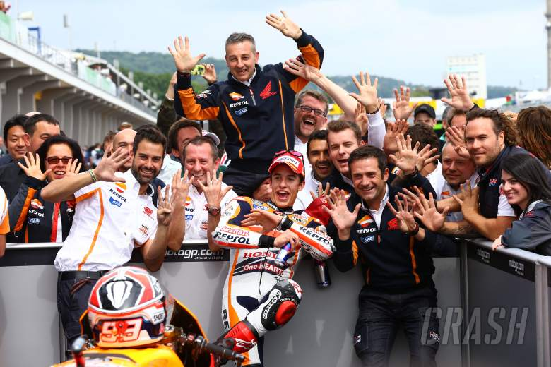 Marquez celebrates perfect sweep of the opening 9 races in 2015, at Sachsenring
