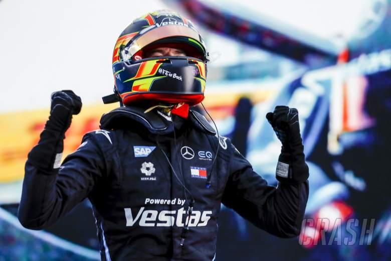 Vandoorne leads Mercedes 1-2 in Formula E season finale