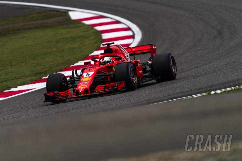 F1: Vettel snatches China F1 pole from Raikkonen