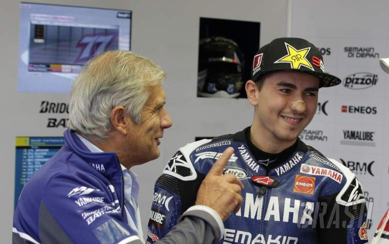 """Lorenzo hits back at Agostini – """"Improper from a legend like you…"""""""