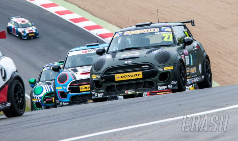 Mini Challenge extends Dunlop partnership