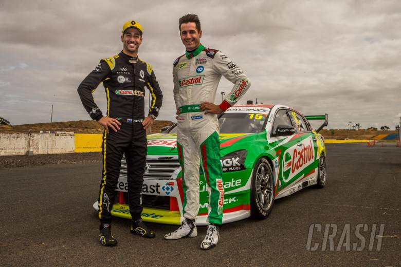 F1: Ricciardo samples V8 Supercar ahead of Australian GP