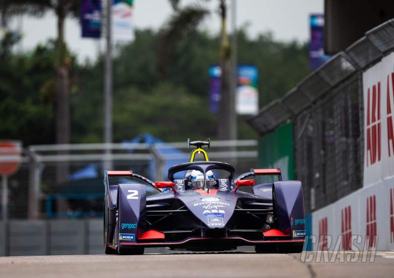 Formula E: Bird edges Lotterer for Hong Kong FE win after contact